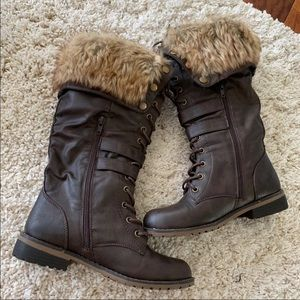 Shoes - Dark brown winter furry boots